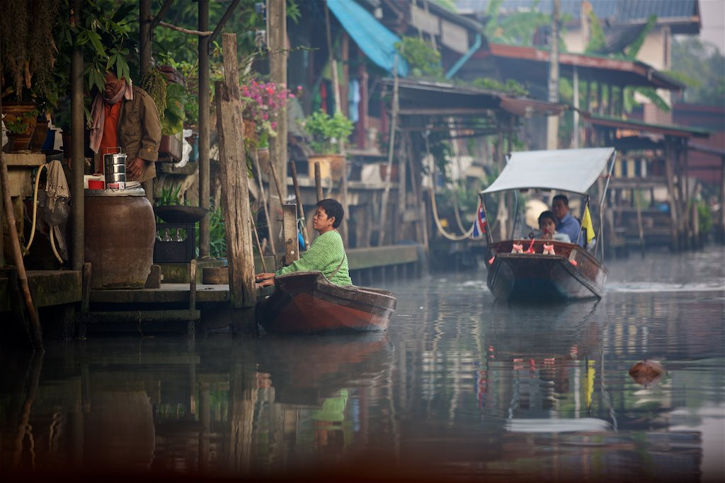 Floating market 7