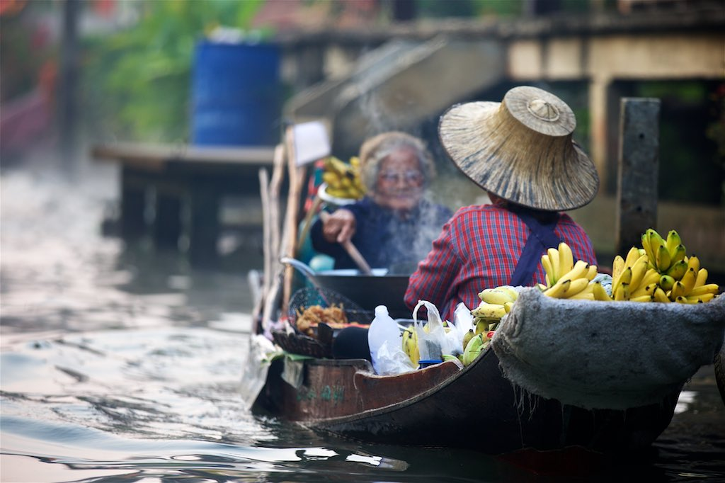 Floating market 9